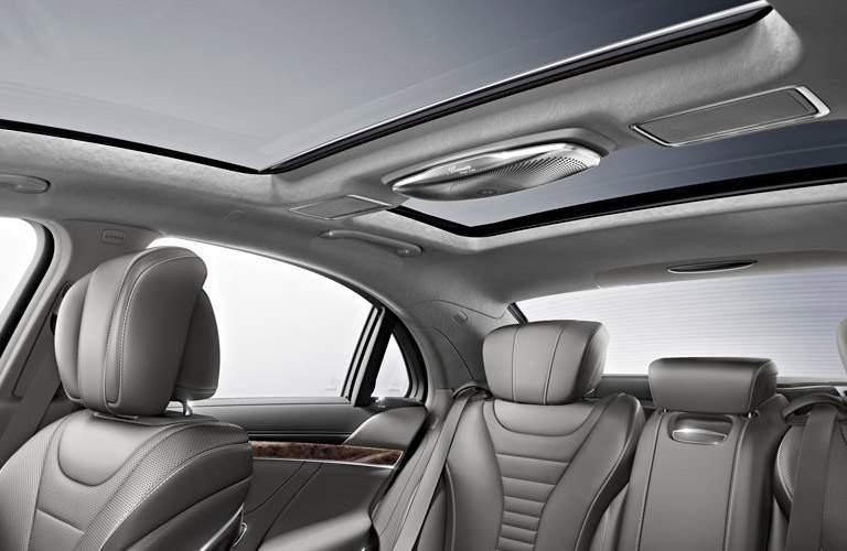 Mercedes-benz S550 interior cabin