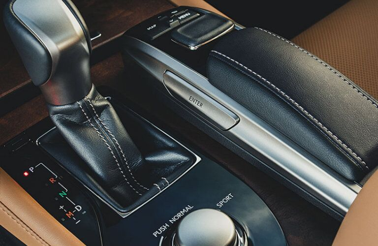 Gear shifter and control knob of Lexus GS