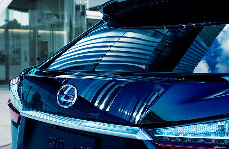Rear window and logo badge of Lexus RX 450H