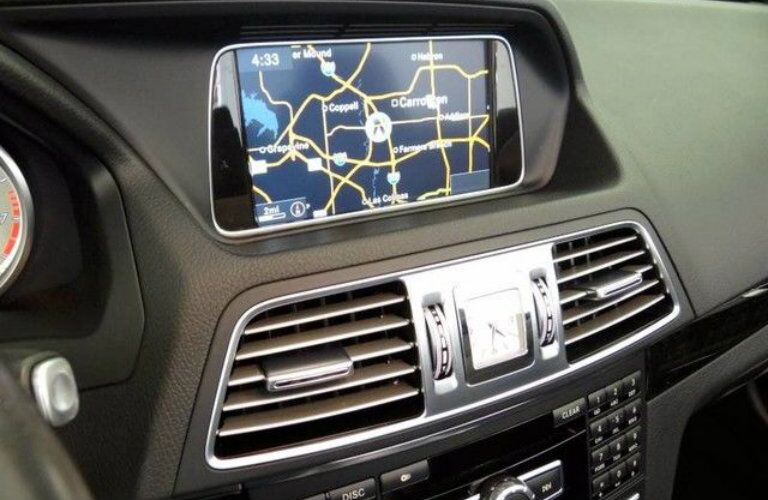 Center interface and air vents of 2014 Mercedes-Benz E350