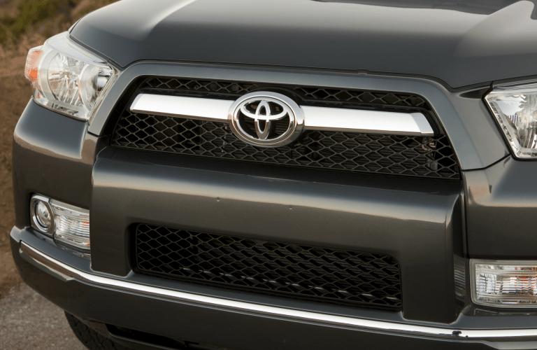 gray Toyota 4Runner grille