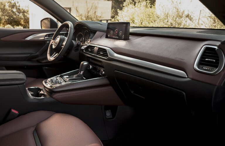 new updated dashboard design on the 2016 mazda cx-9