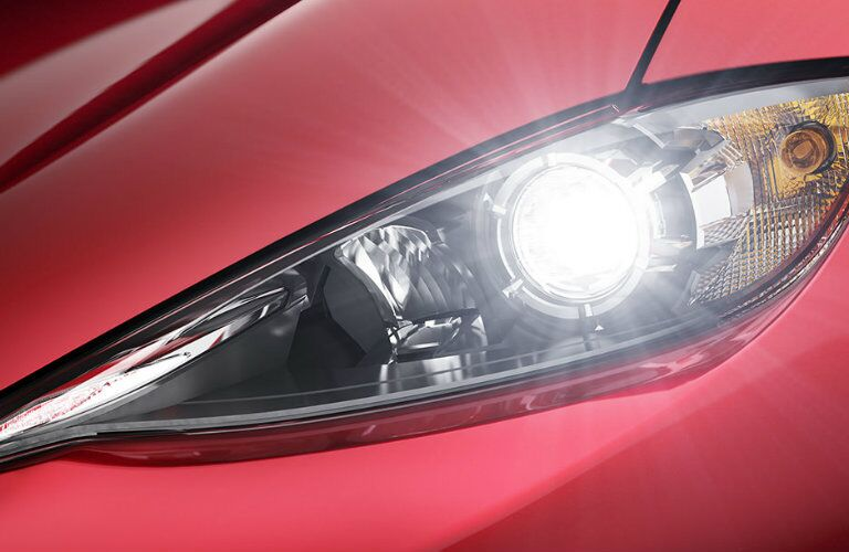 headlight design on the 2016 mazda miata