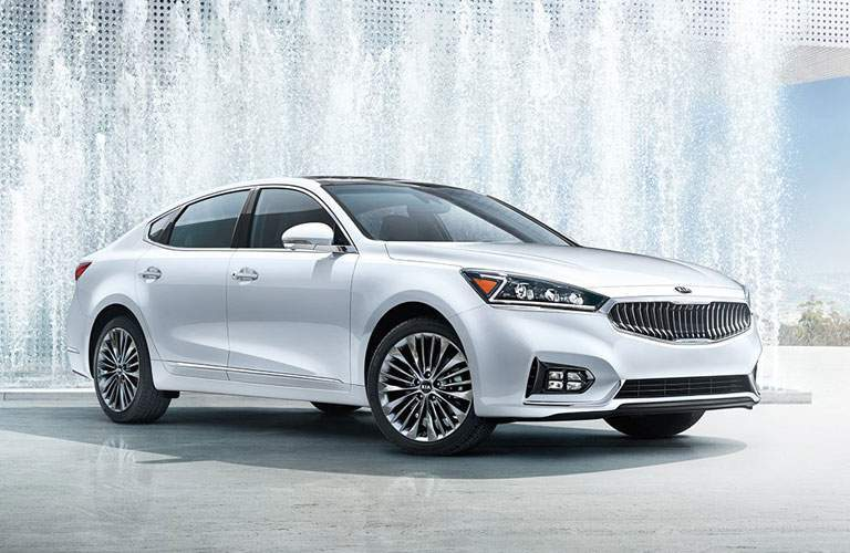 2017 Kia Cadenza in White