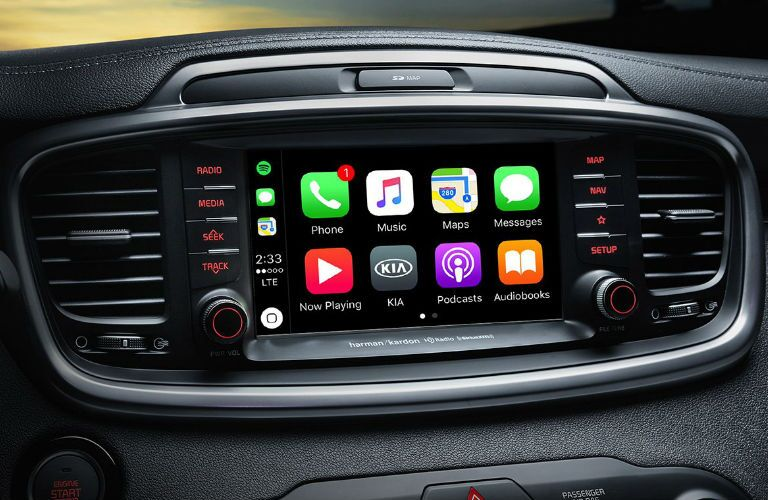 Closeup of infotainment center in 2019 Kia Sorento