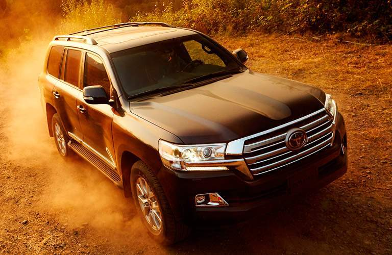 2017 Toyota Land Cruiser front view