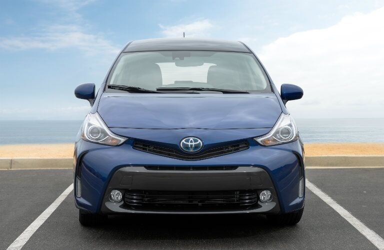 Front profile of 2017 Toyota Prius v