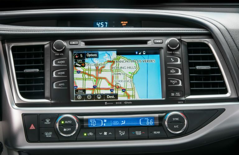 Touchscreen display of the 2018 Toyota Highlander