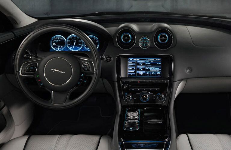 2017 Jaguar XJ interior