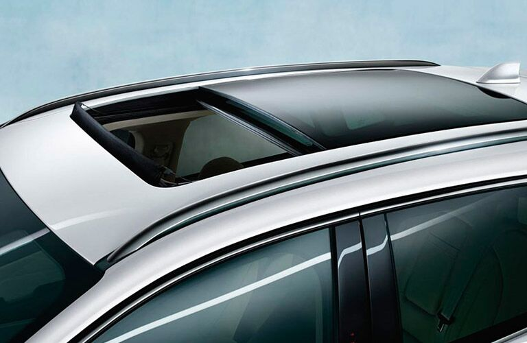 Sun Roof on the 2016 Lincoln MKC