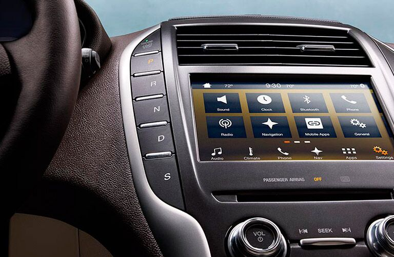 Infotainment on the 2016 Lincoln MKC