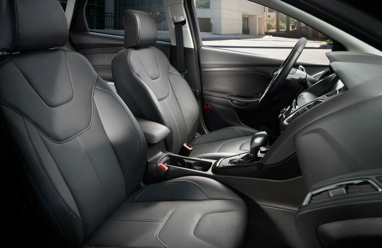 2017 Ford Focus front legroom