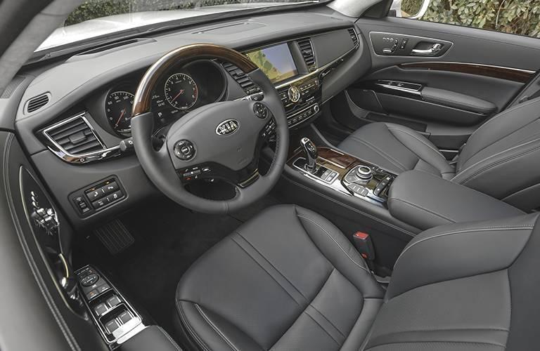 2016 Kia K900 interior front cabin
