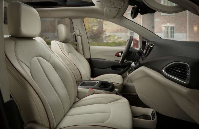 front seats of the 2017 Chrysler Pacifica