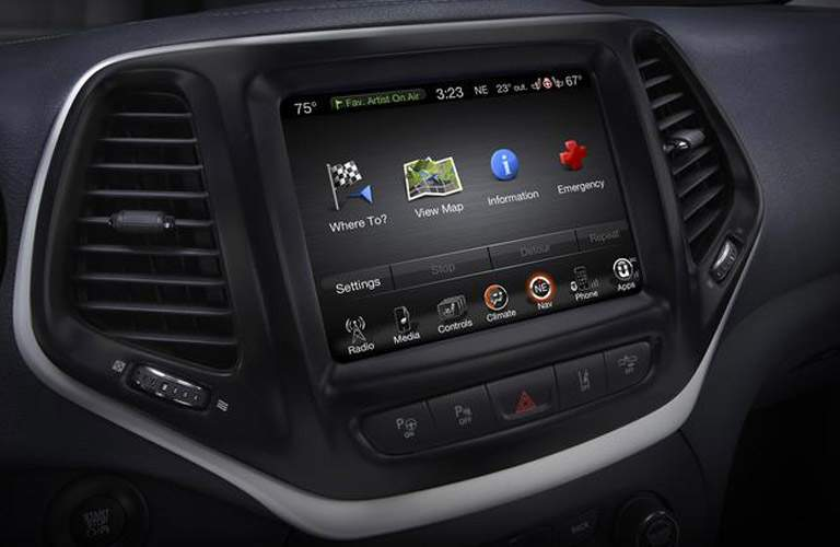 Uconnect infotainment system in the 2018 Jeep Cherokee