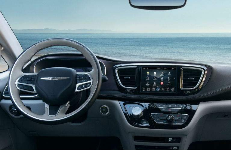 Infotainment system and steering wheel of the 2018 Chrysler Pacifica