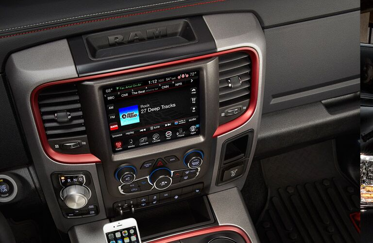 2016 Ram 1500 Uconnect infotainment system