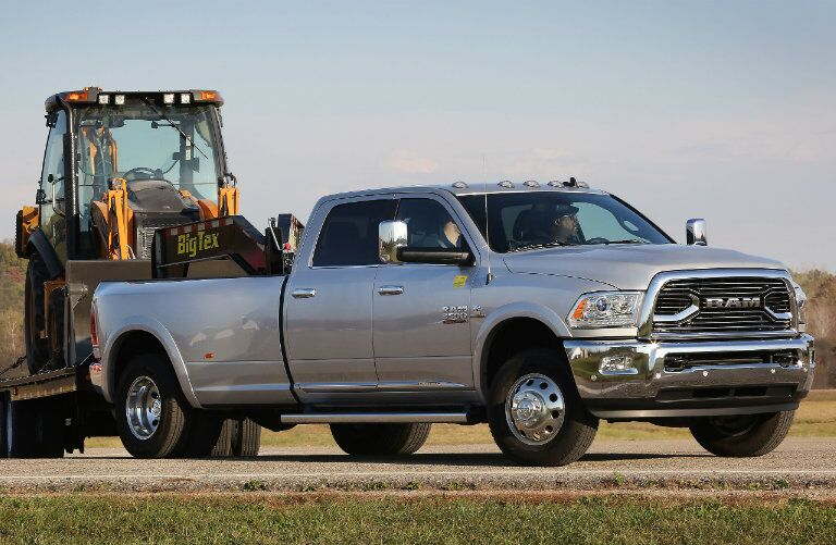 2016 Ram 3500 towing construction machinery