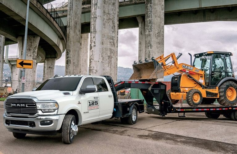 2019 Ram 4500 hauling machinery