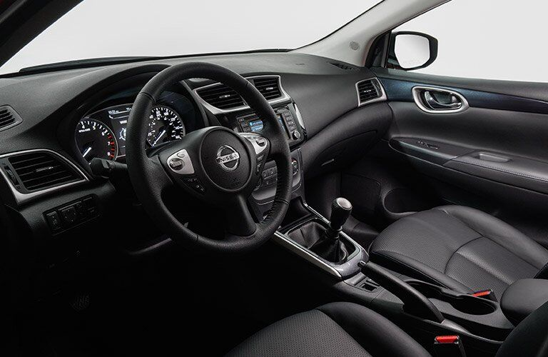 2017 Nissan Sentra interior steering wheel and dashboard
