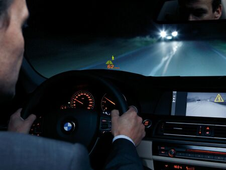 BMW_Head_up_display_night