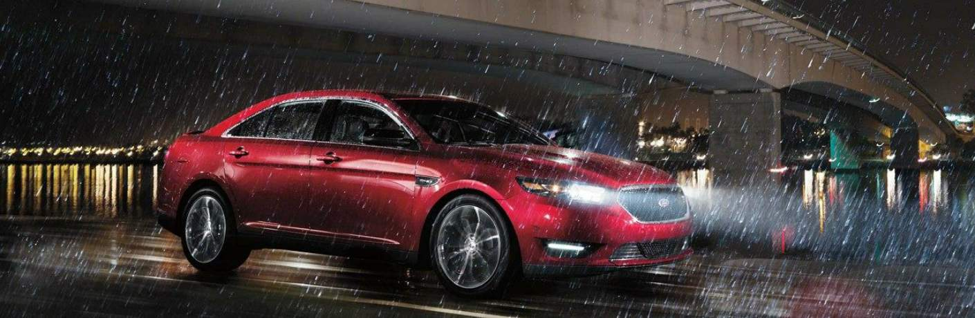 2018 Ford Taurus Driving in the Rain