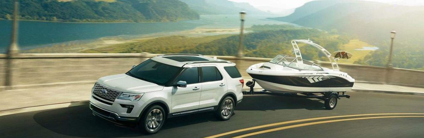 2018 Explorer Platinum Towing a Boat
