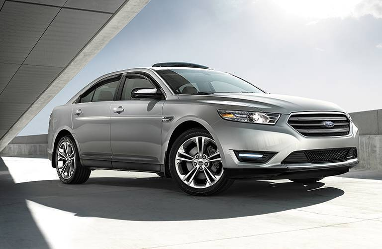 Ford Taurus model information