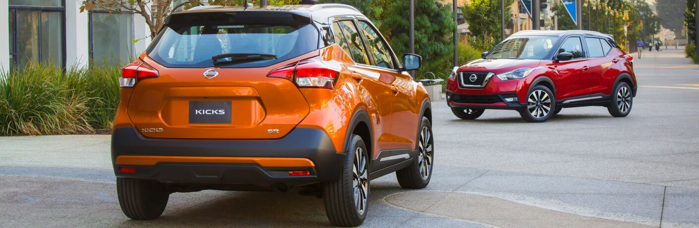 2018 Nissan Kicks in Orange and Red Paint Colors