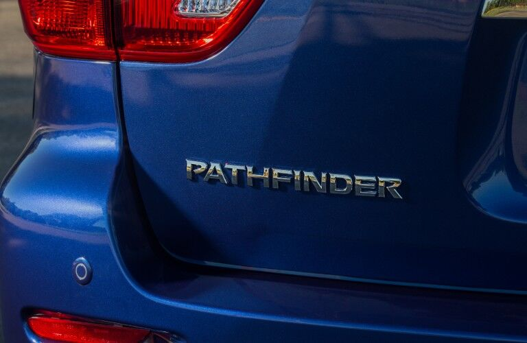 blue 2020 Nissan Pathfinder badging