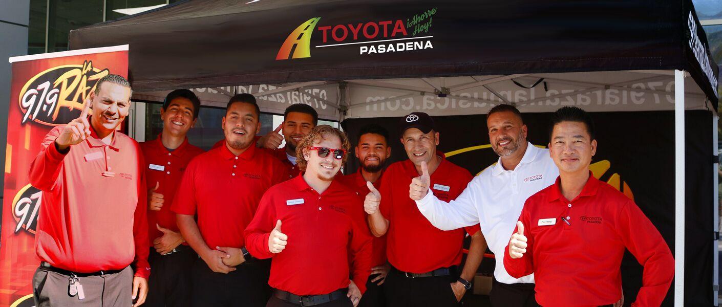 El Equipo Ahorre Hoy en Toyota Pasadena.Especiales