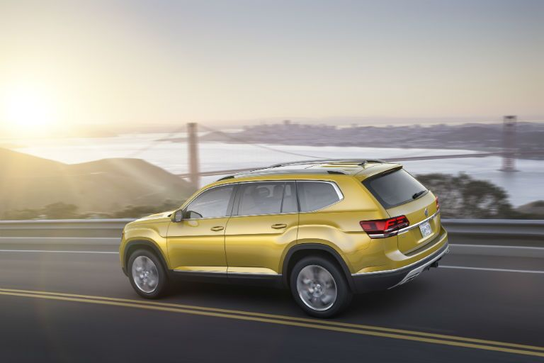 Advanced Infotainment features 2018 Volkswagen Atlas near Mobile, AL