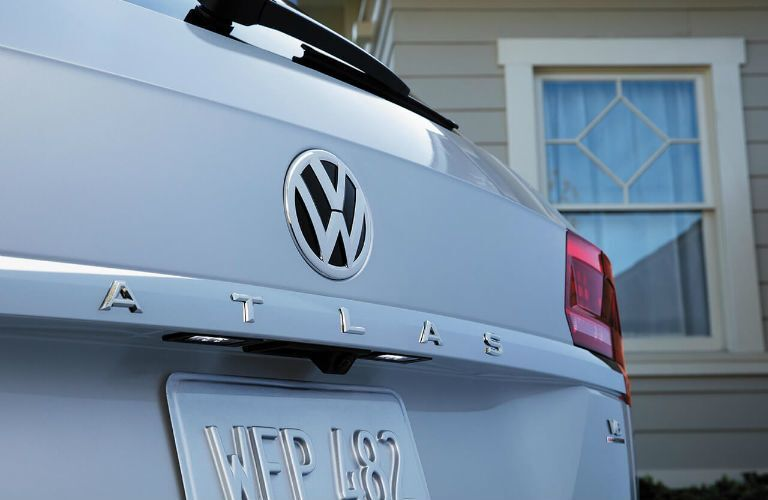 A photo of the Atlas badge on the 2020 VW Atlas.