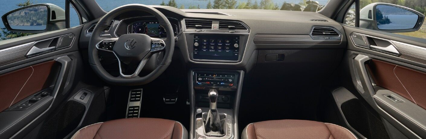The dashboard in the 2022 Volkswagen Tiguan.