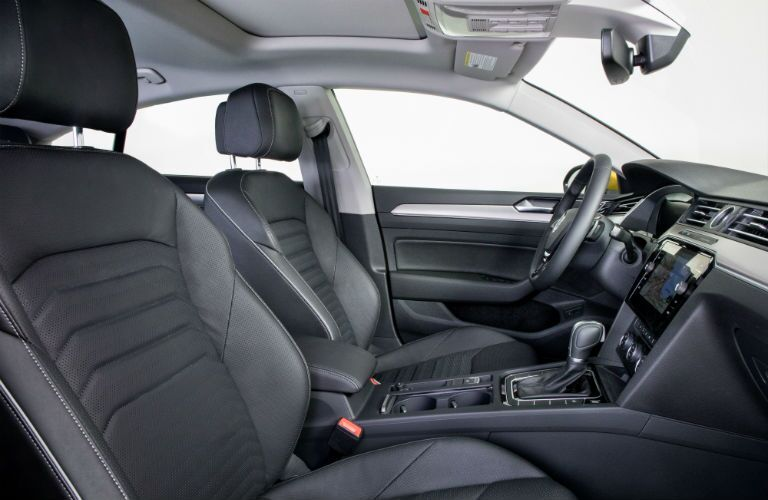 A photo of the front seats in the 2019 VW Arteon.