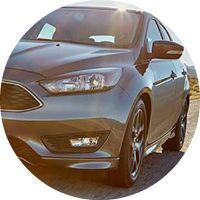 2016 Ford Focus front grille and headlights