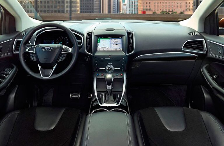 2017 Ford Edge interior steering wheel and dashboard