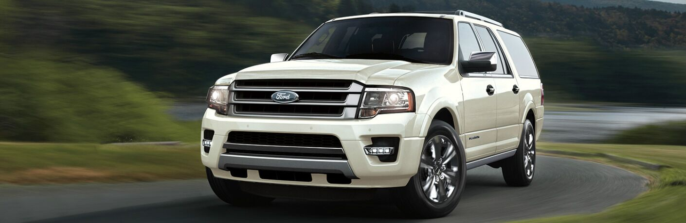 2017 Ford Expedition exterior front