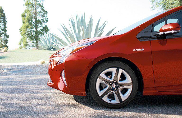 2017 Toyota Prius front silhouette