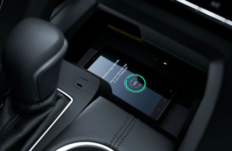2019 Toyota Avalon Hybrid Qi-compatible wireless charger