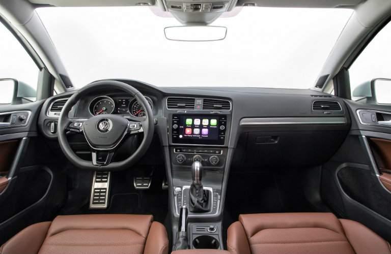2018 Volkswagen Golf Alltrack Interior and Dashboard