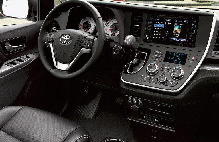 2017 Toyota Sienna Dashboard and Steering Wheel