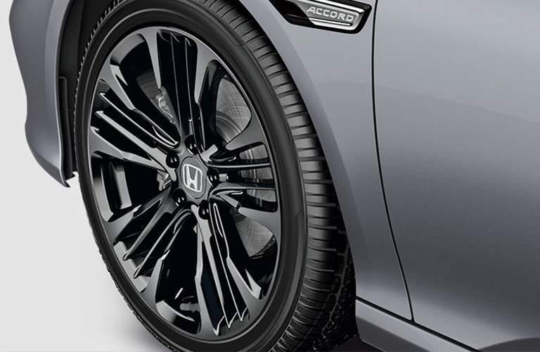Closeup of 2018 Honda Accord EX-L wheel