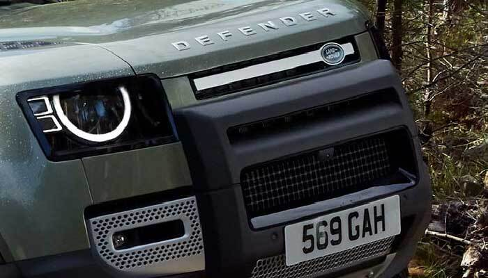 Land Rover Defender hood detail