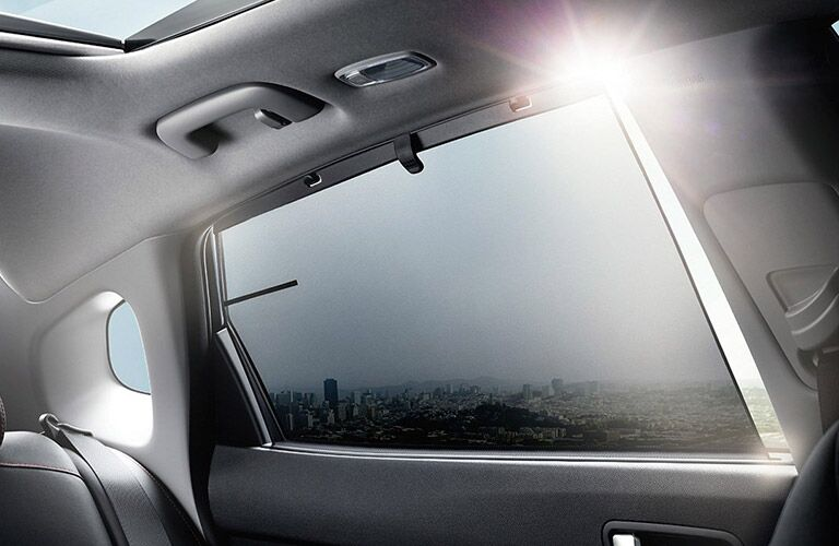 2017 Kia Optima rear window with shade_o