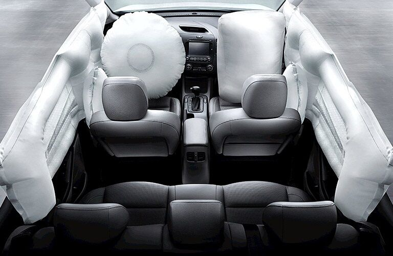 Advanced airbag system in the 2016 Kia Forte Koup