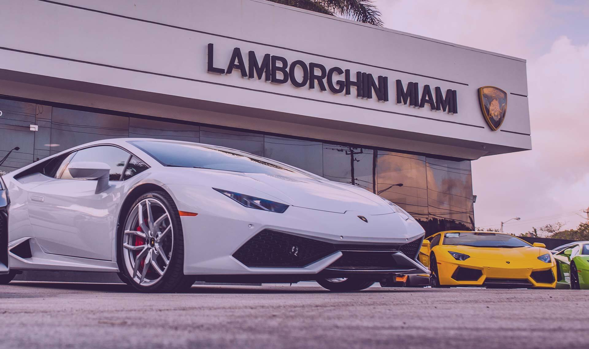 lamborghini employee salary idea di immagine auto. Black Bedroom Furniture Sets. Home Design Ideas
