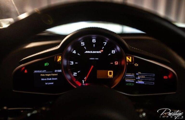 2016 McLaren 650S gauge cluster