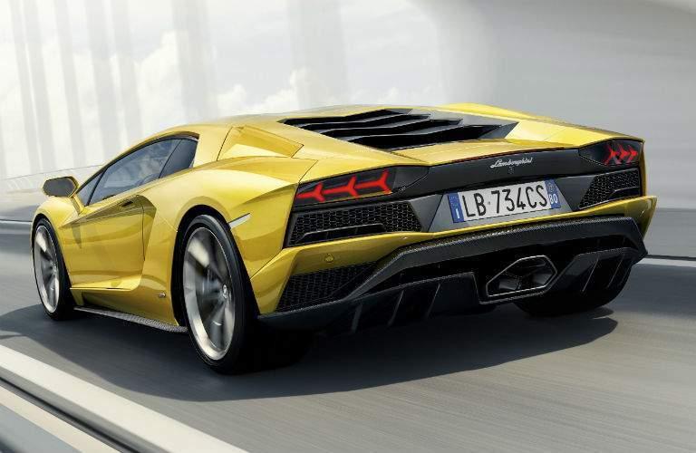 2018 Lamborghini Aventador S Coupe Exterior Driver Side Rear