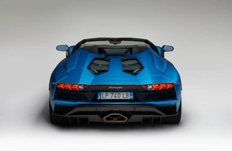 2018 Lamborghini Aventador S Roadster Exterior Rear Fascia Top Down